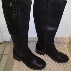 So Chelsea boot black new vegan leather